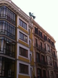 Ángel caído en la calle Milaneses con Calle Mayor | Madrid