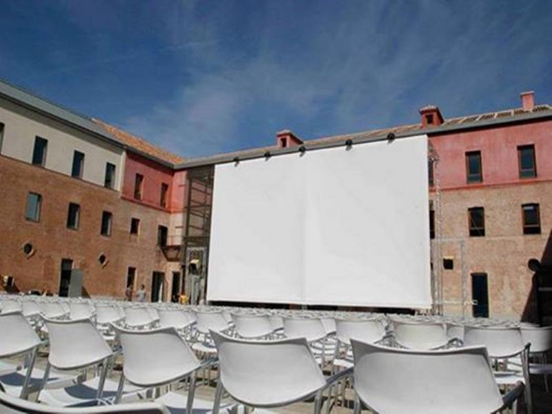 El Cuartel by City Lights | Cine bajo el cielo de Conde Duque | Cuartel de Conde Duque | Veranos de la Villa 2014 | Madrid