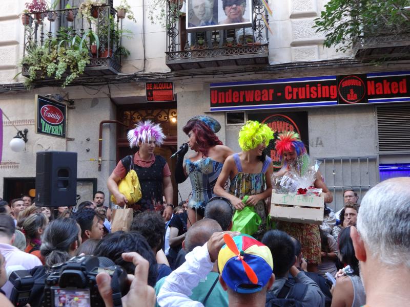 MADO'14 | La Plexy y los tres ganadores con sus premios | Carrera de Tacones 2014 | Chueca - Calle Pelayo