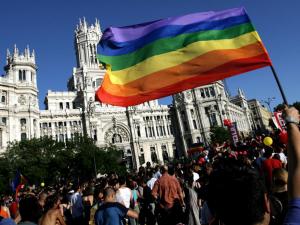 Manifestación estatal del Orgullo Gay frente al Ayuntamiento de Madrid