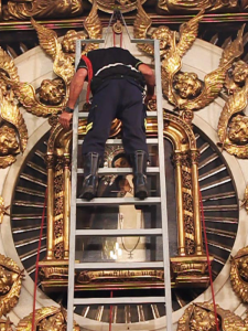 Descenso del cuadro de la Virgen de la Paloma por los Bomberos de Madrid | Iglesia de la Paloma | Madrid | Agosto 2013