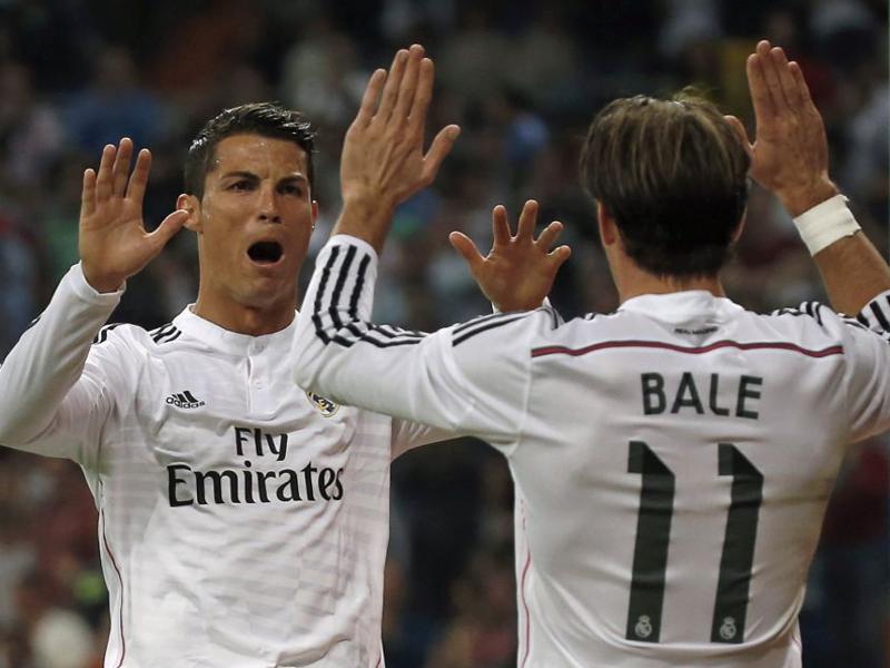 Cristiano Ronaldo celebra con Bale uno de los goles de su triplete | Real Madrid vs Athletic Club (05-10-2014)