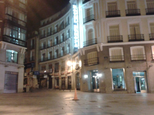 Imágenes del fin del mundo | 4 | Calle del Carmen | Sol | Madrid | 09 - 04 - 2014