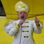 Ordenación 'Pequeño Nicolás' como Obispo de la Iglesia Patólica   'El Campo de Cebada'   Domingo 28 de diciembre de 2014   Sumo Pontífice Leo Bassi