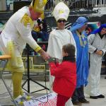 Ordenación 'Pequeño Nicolás' como Obispo de la Iglesia Patólica   'El Campo de Cebada'   Domingo 28 de diciembre de 2014   Leo Bassi: 'dejad que los niños se acerquen a mí, no soy cura'