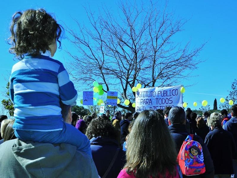 Concentración de padres y alumnos del CEIP Ciudad de Zaragoza del Distrito de Barajas de Madrid (22-02-2015)