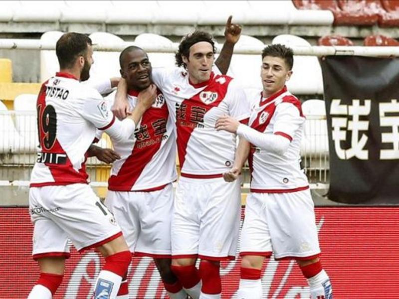 Jugadores del Rayo Vallecano celebran la victoria frente al Málaga del sábado 21 de marzo de 2015