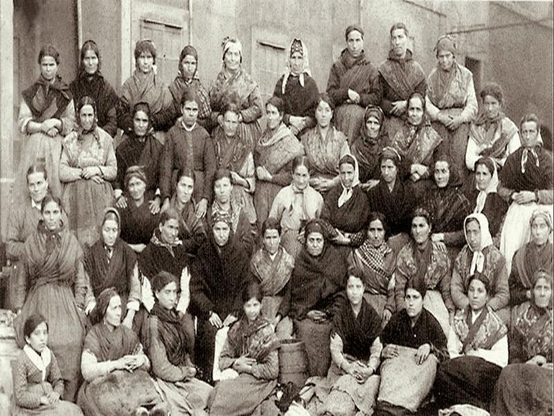 Mujeres trabajadoras de la fábrica 'La Industria' | Gijón - Asturias - España | Finales del siglo XIX