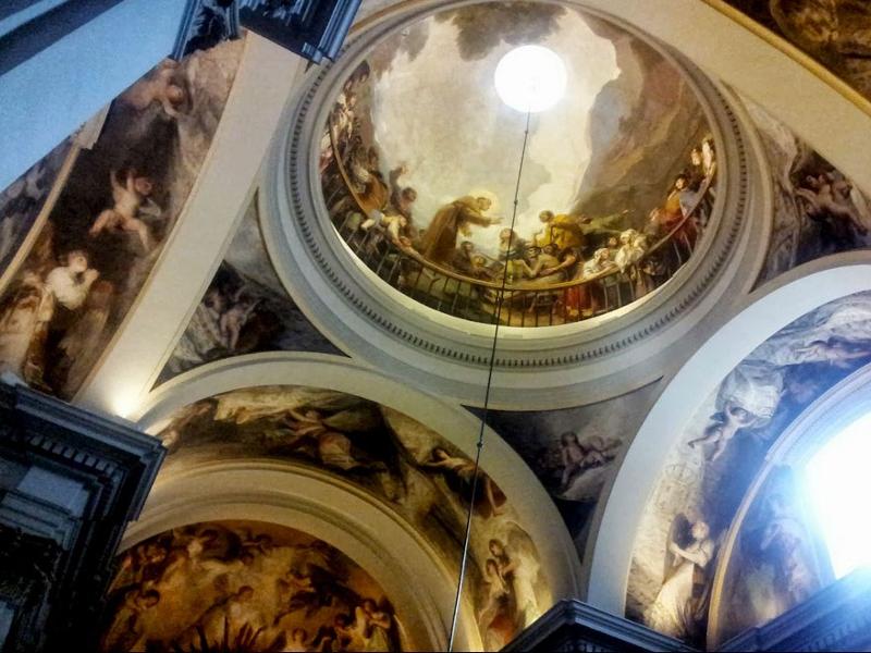 Frescos de Francisco de Goya y trampantojo en la cúpula de la ermita de San Antonio de la Florida de Madrid