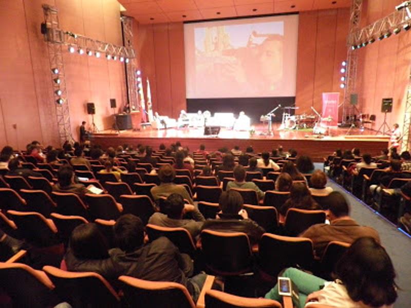 Intervención de Rubén Caravaca en el Teatro de Bogotá en la Cumbre Mundial de Arte y Cultura para la Paz en Colombia (6 al 11 de abril de 2015)