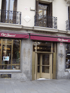 Café Comercial | 1887-2015 | Glorieta de Bilbao | Barrio de Maravillas | Madrid | Entrada