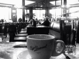 Café Comercial | La cafetería más antigua de Madrid | Desde 1887 | Barrio de Maravillas | Interior