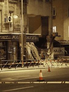 Fachada derrumbada en edificio de la calle de Bravo Murillo del distrito de Tetuán (Madrid) el martes 18 de agosto de 2014