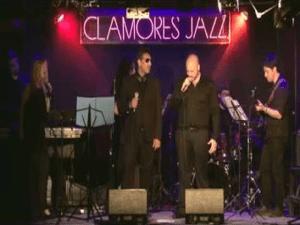 Toni Turi durante su concierto en la Sala Clamores de Madrid (09/06/2015)