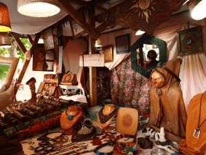 17º Mercado Cervantino | Alcalá de Henares | Comunidad de Madrid | Del 8 al 12 de octubre de 2015 | Puesto de artesanía