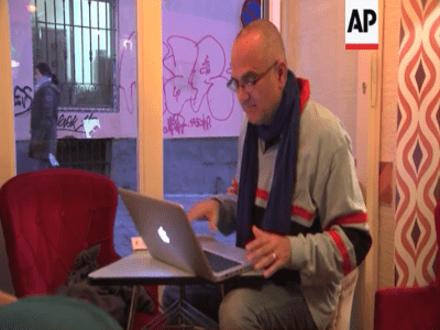 Rubén Caravaca contestando a American Press en el vídeo 'Elecciones Generales 2015 - España - Previa'