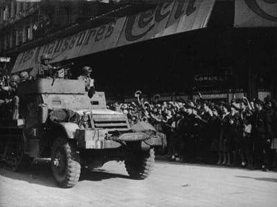 'España cañí', vehículo blindado de 'La Nueve' de la División Leclerc, por las calles de París en 1944