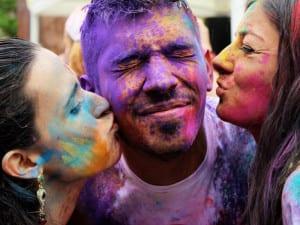 Holimadrid 2016 | Plaza de Santa María Soledad Torres Acosta | Malasaña - Madrid | 05/06/2016 | Colores, danzas, exotismo y alegría