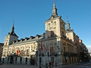 Plaza de la Villa | Casa de la Villa con vueltaa la calle Mayor | Madrid de los Austrias | Centro | Madrid