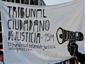 Querella 15M #HazteFiscal contra directivos de Caja Madrid | Tribunal Ciudadano de Justicia 15M | Campaña de crowdfunding en Goteo | Pancarta de la manifestación en la plaza de Castilla de Madrid