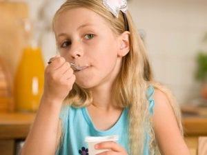 El yogur puede ser un importante complemento para el crecimiento de los niños | Nutrición sin más