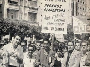 En esto llegó Fidel, se acabó la diversión   Manifestación contra el cierre de locales   La Habana - Cuba   1959