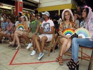Orgullo en Lavapiés 2017 | World Pride Madrid 2017 | Decenas de parejas se casaron simbólicamente en el Mercado de San Fernando