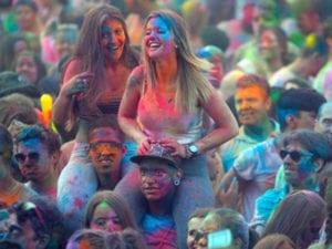 Monsoon Holi Madrid empapa Lavapiés por San Cayetano | 4º Festival de los Colores 2017 | 05/08/2017 | Plaza de Arturo Barea - Lavapiés - Madrid | Monsoon Holi Madrid 2016