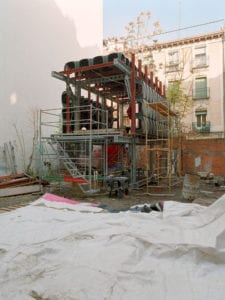 3 nuevas exposiciones en CentroCentro Cibeles | La cara oculta de la luna | Santiago Cirugeda | Reuso de solares en desuso | Mad.0.3 | 2003