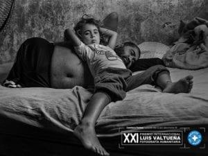 21º Premio Internacional de Fotografía Humanitaria 'Luis Valtueña' | Médicos del Mundo | CentroCentro Cibeles | Madrid | 'Fuerrza de vida, lo que salva el amor' | Constanza Portnoy