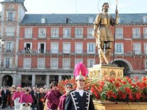 Fiestas de San Isidro 2018 | Madrid | Del 11 al 15/05/2018 | Procesión de San Isidro a su paso por la Plaza Mayor de Madrid